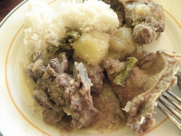 Halang-Halang must be served hot with rice cooked with fragrant pandan leaves!