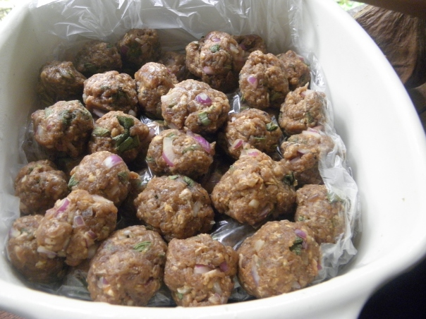 I also made meat balls using the ground pork meat. Home-made meat balls is great because you can flavour it with the herbs and spices that you like and because they are mildly cured, they can keep for some time and can be cooked with vegetables, stews and soups.